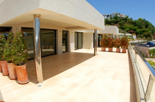 New Modern luxury apartment for sale in Nueva Andalucia - Marbella