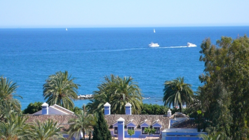 Beachside luxury Apartment for sale, Puerto Banus - Marbella