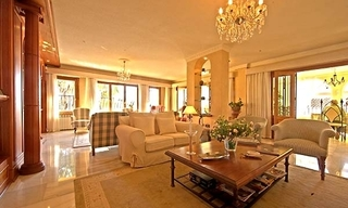 Spacious villa for sale in El Rosario with very nice views in East Marbella 6