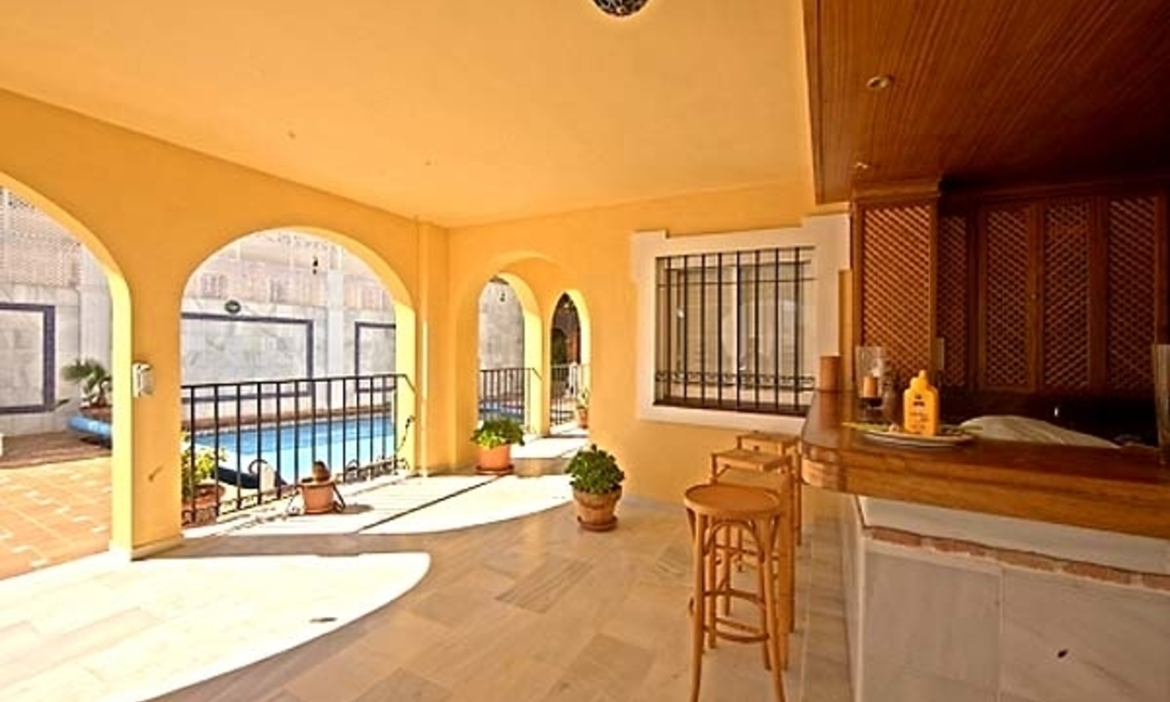 Spacious villa for sale in El Rosario with very nice views in East Marbella 4