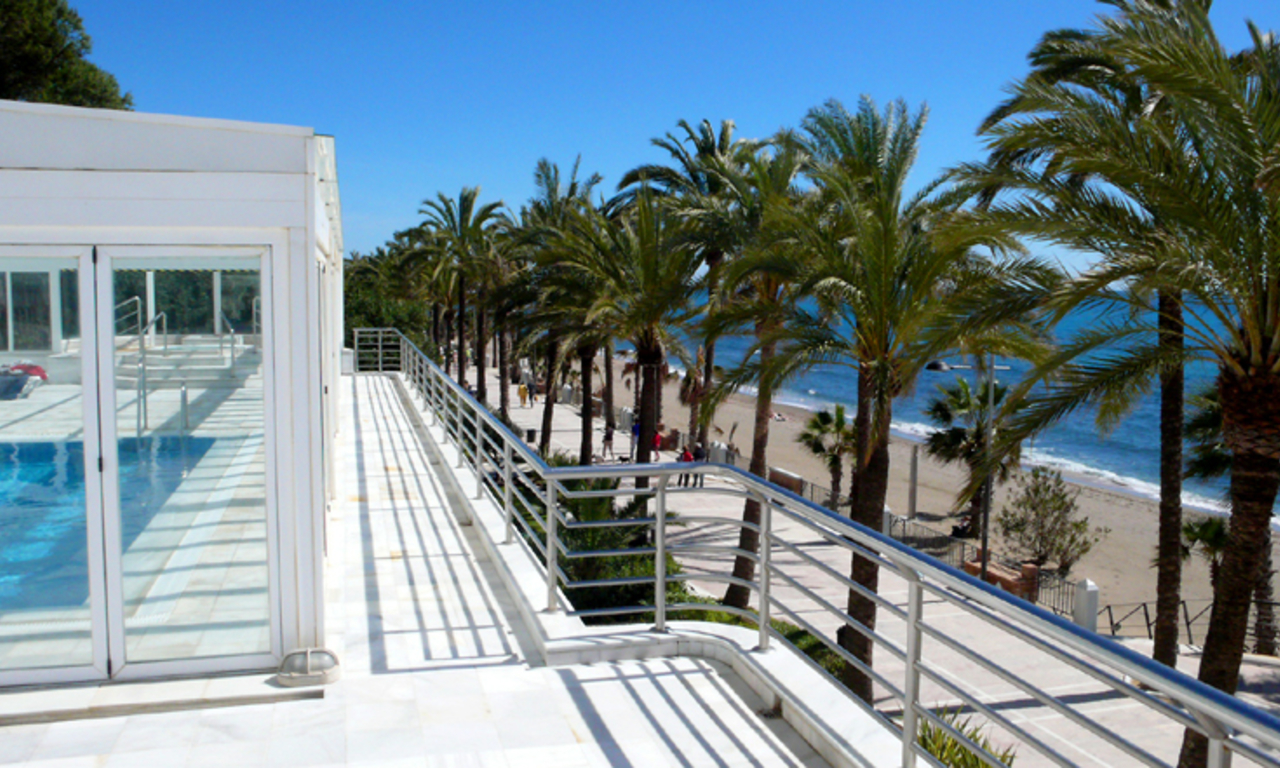 Bargain Luxury Penthouse apartment for sale, beachfront Golden Mile - Marbella centre 2