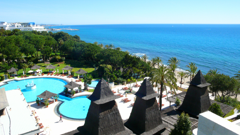 Bargain Luxury Penthouse apartment for sale, beachfront Golden Mile - Marbella centre