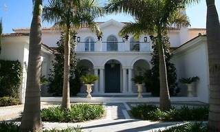 Beachfront luxury villa to buy, Marbella 2