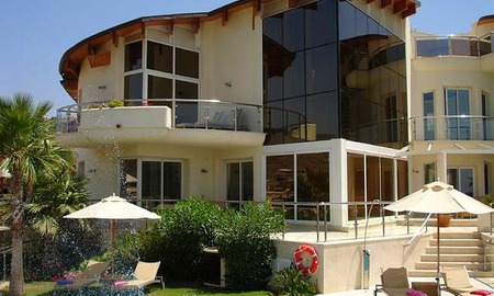 Contemporary luxury villa for sale, frontline golf, Marbella - Benahavis 2