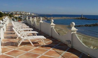 Prestige beachfront villa for sale, Puerto Banus - Marbella 16