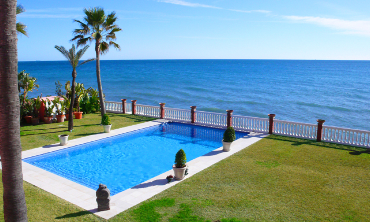 Sea front luxury villa property for sale, Marbella - Estepona 0