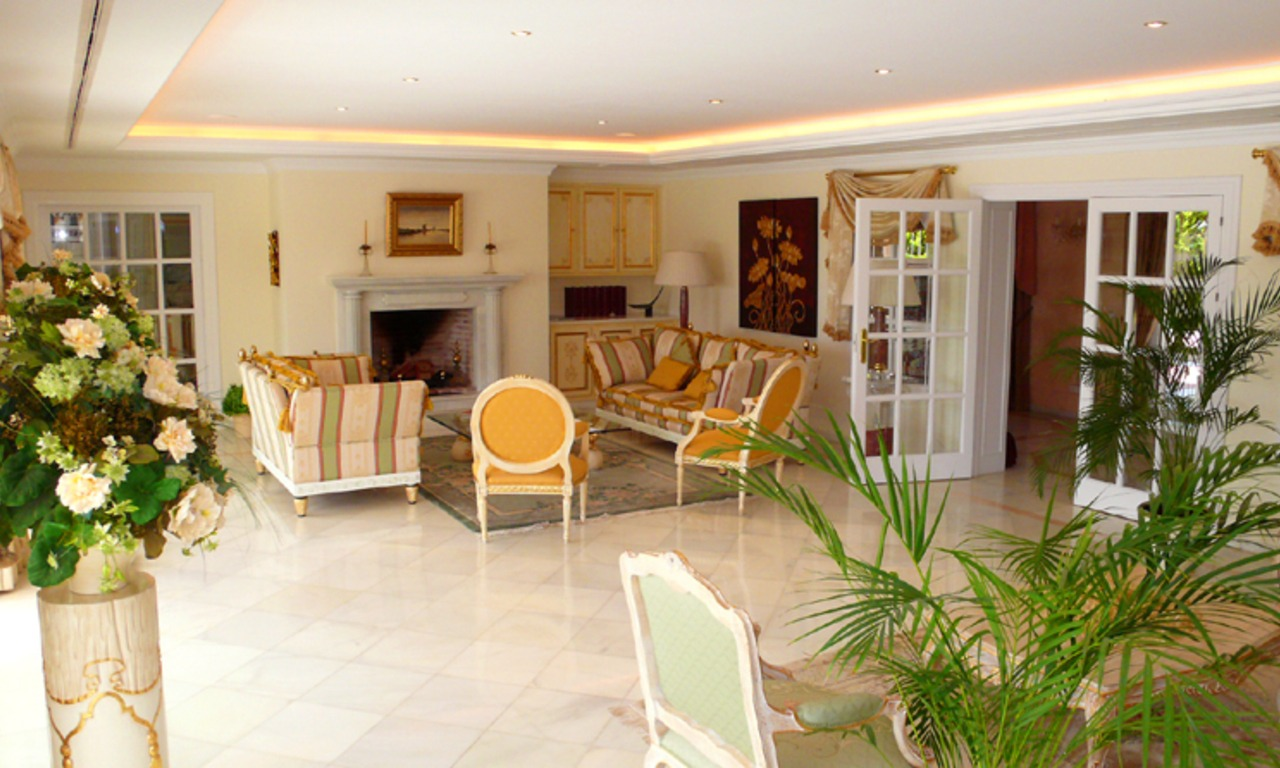Exclusive new villa to buy, Nueva Andalucia - Marbella 13