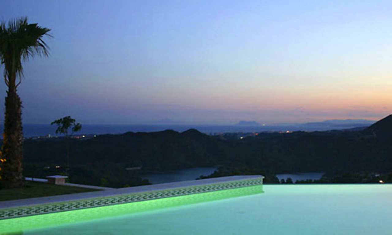 Exclusive luxury villa for sale in Marbella area on a large private plot. 20
