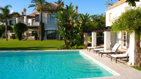 Exclusive luxury villa for sale in Marbella area on a large private plot. 7
