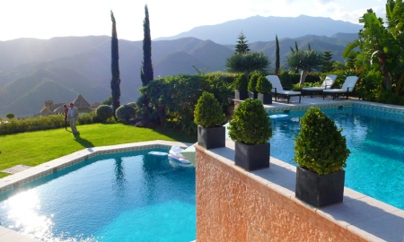 Exclusive luxury villa for sale in Marbella area on a large private plot. 5