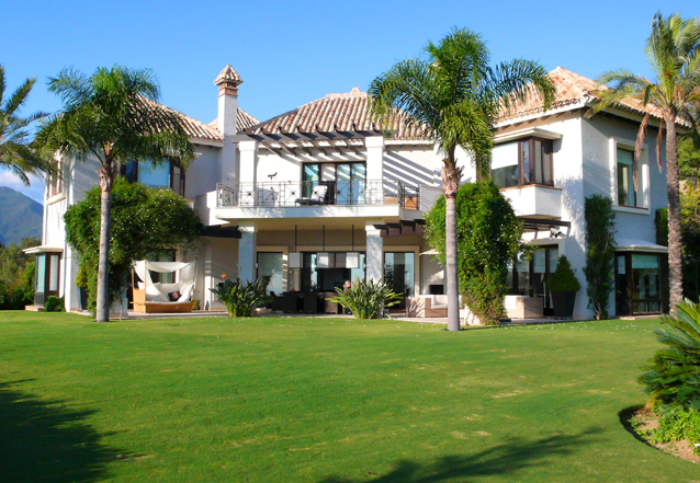 Exclusive luxury villa for sale in Marbella area on a large private plot.