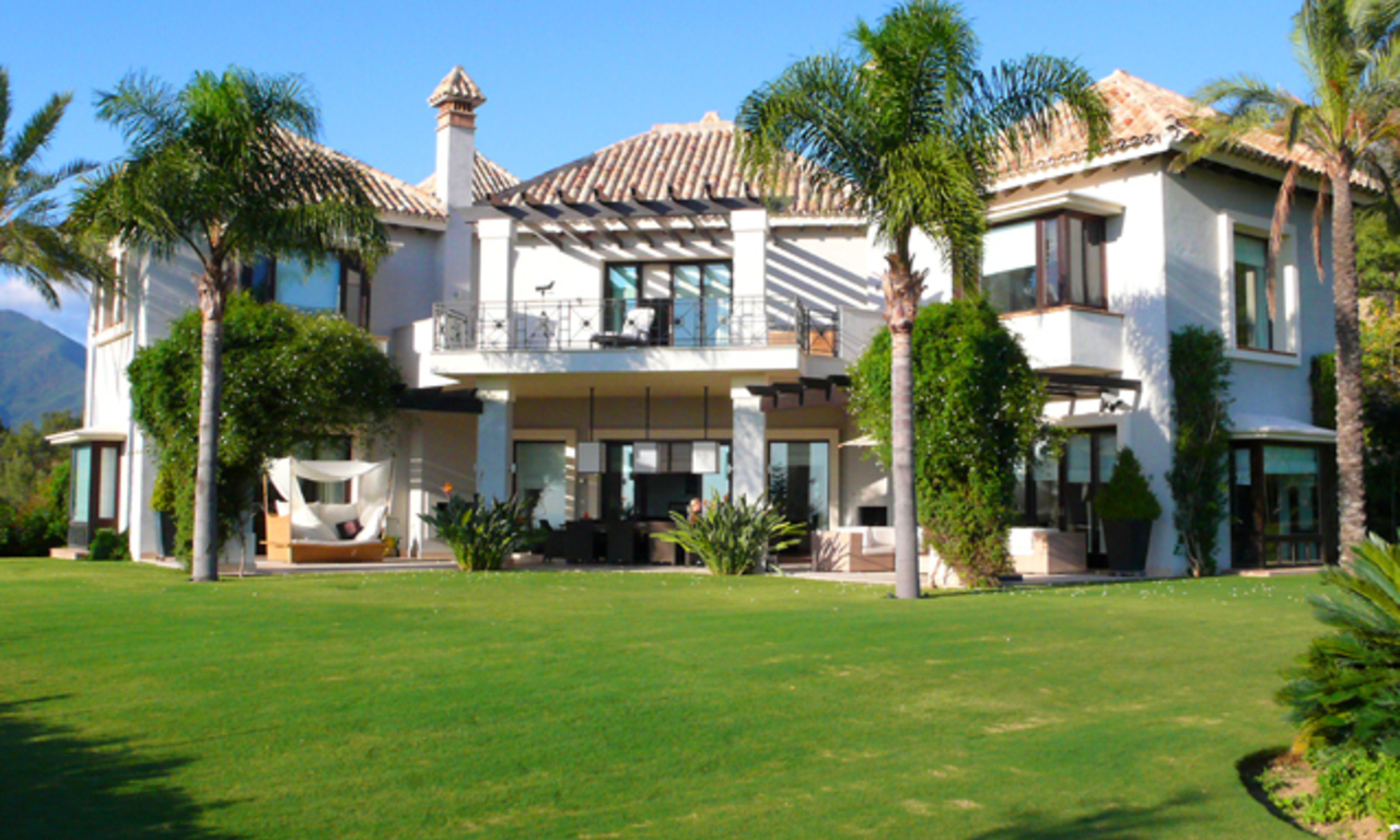 Exclusive luxury villa for sale in Marbella area on a large private plot. 0