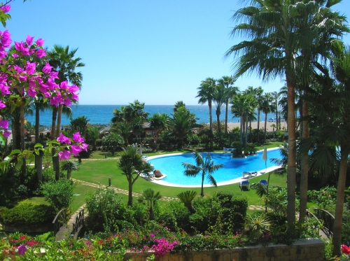 Beachfront apartment for sale, first line beach Puerto Banus - Marbella
