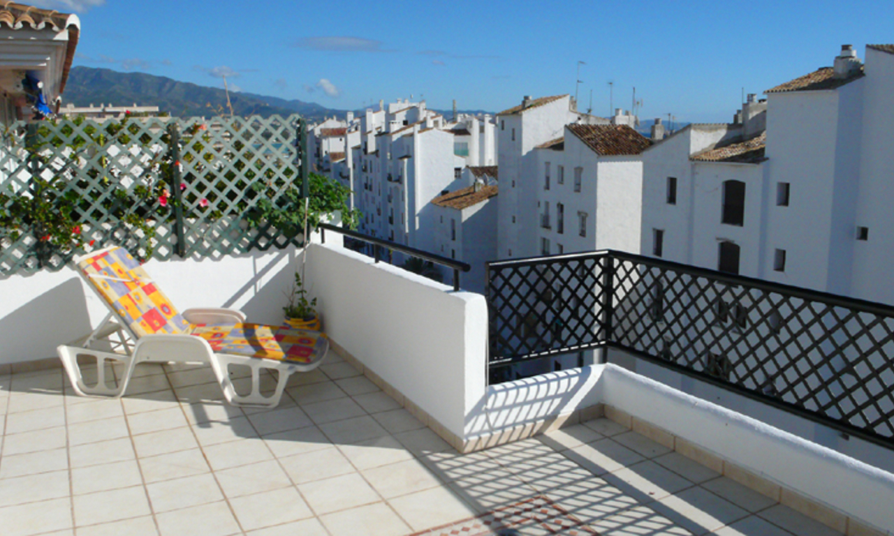 Penthouse apartment for sale in Puerto Banus, Marbella 4