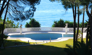 Beachfront villa property for sale, beachside Golden Mile, near Marbella centre 0