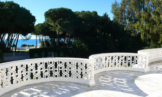 Beachfront villa property for sale, beachside Golden Mile, near Marbella centre 11
