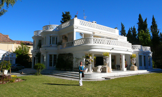 Beachfront villa property for sale, beachside Golden Mile, near Marbella centre 5