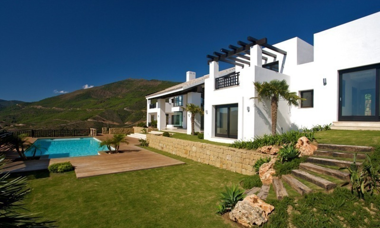 Newly built modern villa for sale, exclusive golf resort, Benahavis - Marbella 1