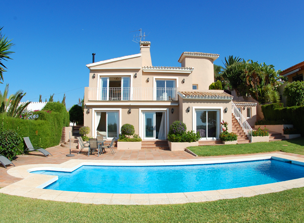 Villa to buy in Elviria at Marbella on the Costa del Sol, Spain