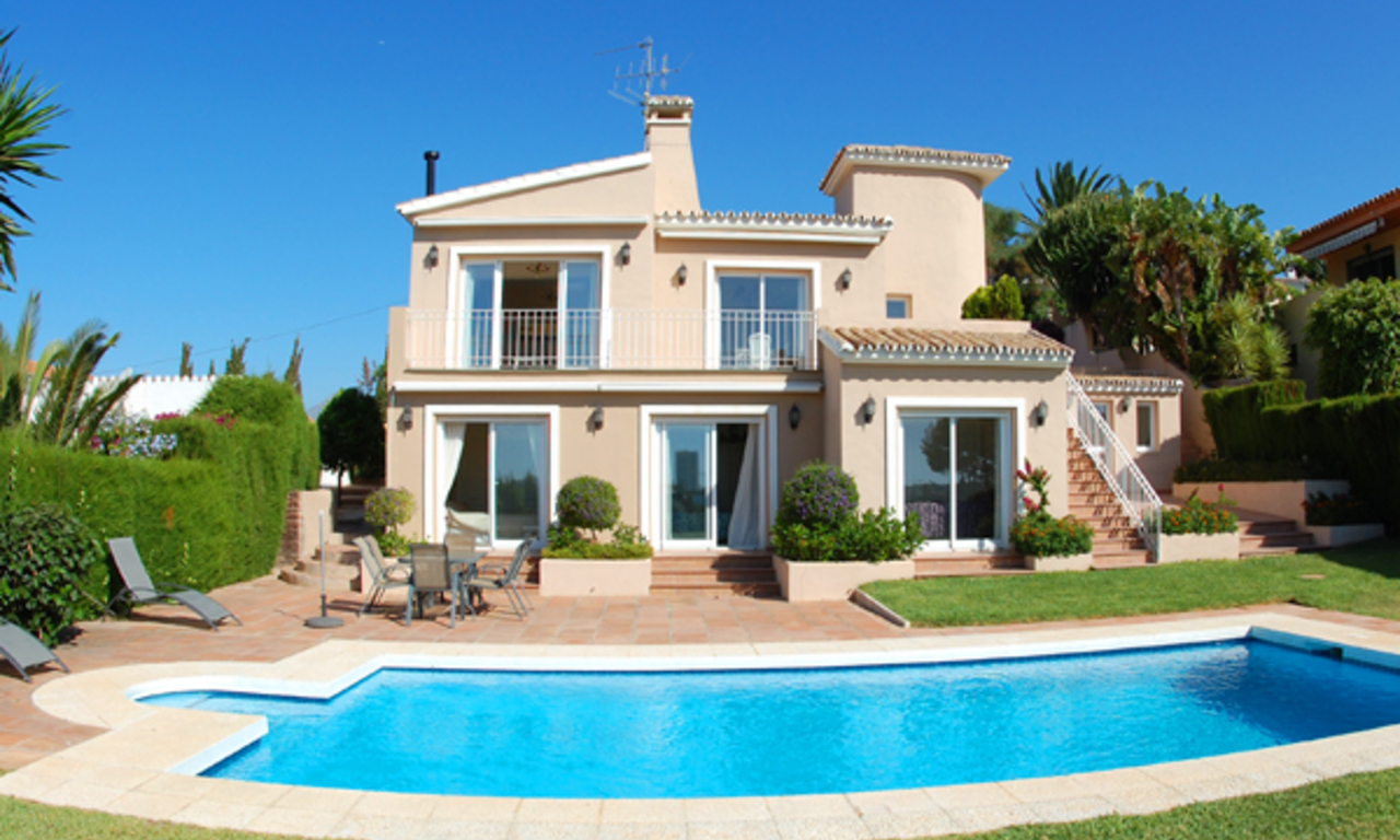 Villa to buy in Elviria at Marbella on the Costa del Sol, Spain 0