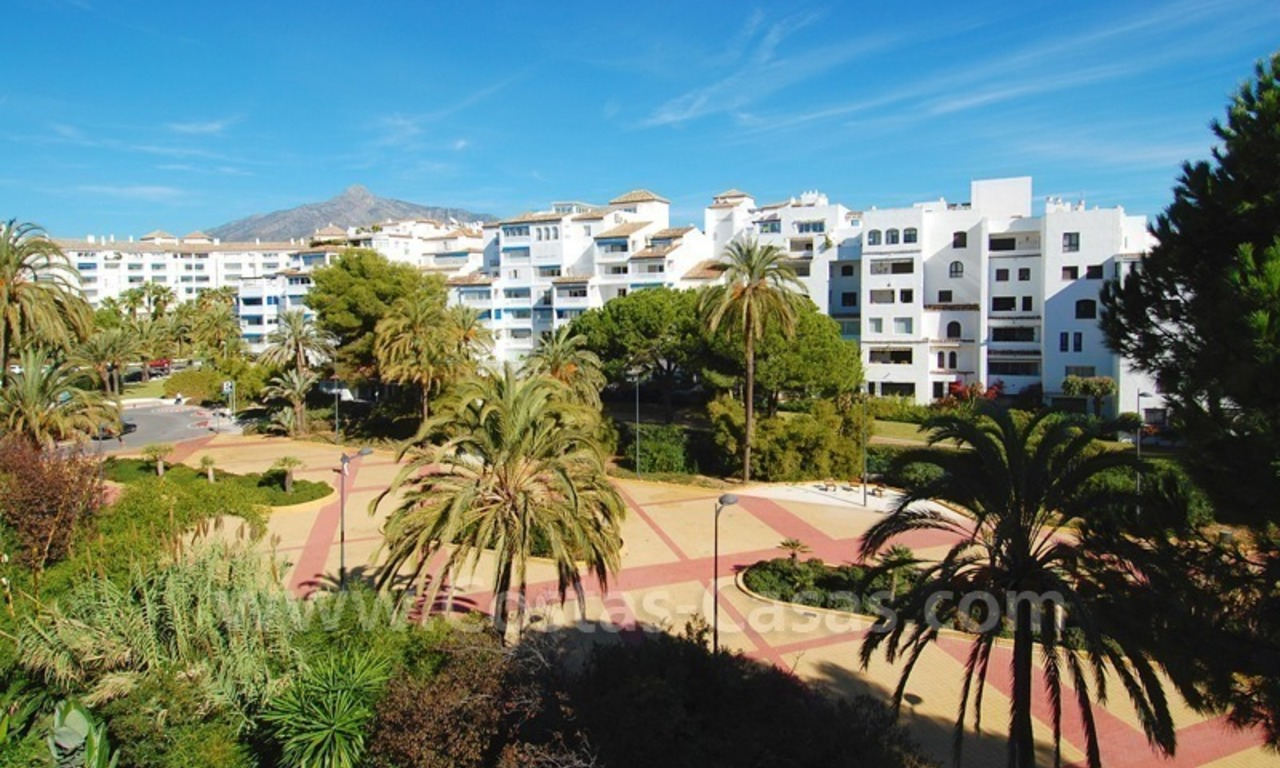 Studio apartment for sale in a beachfront complex in Puerto Banus - Marbella 2