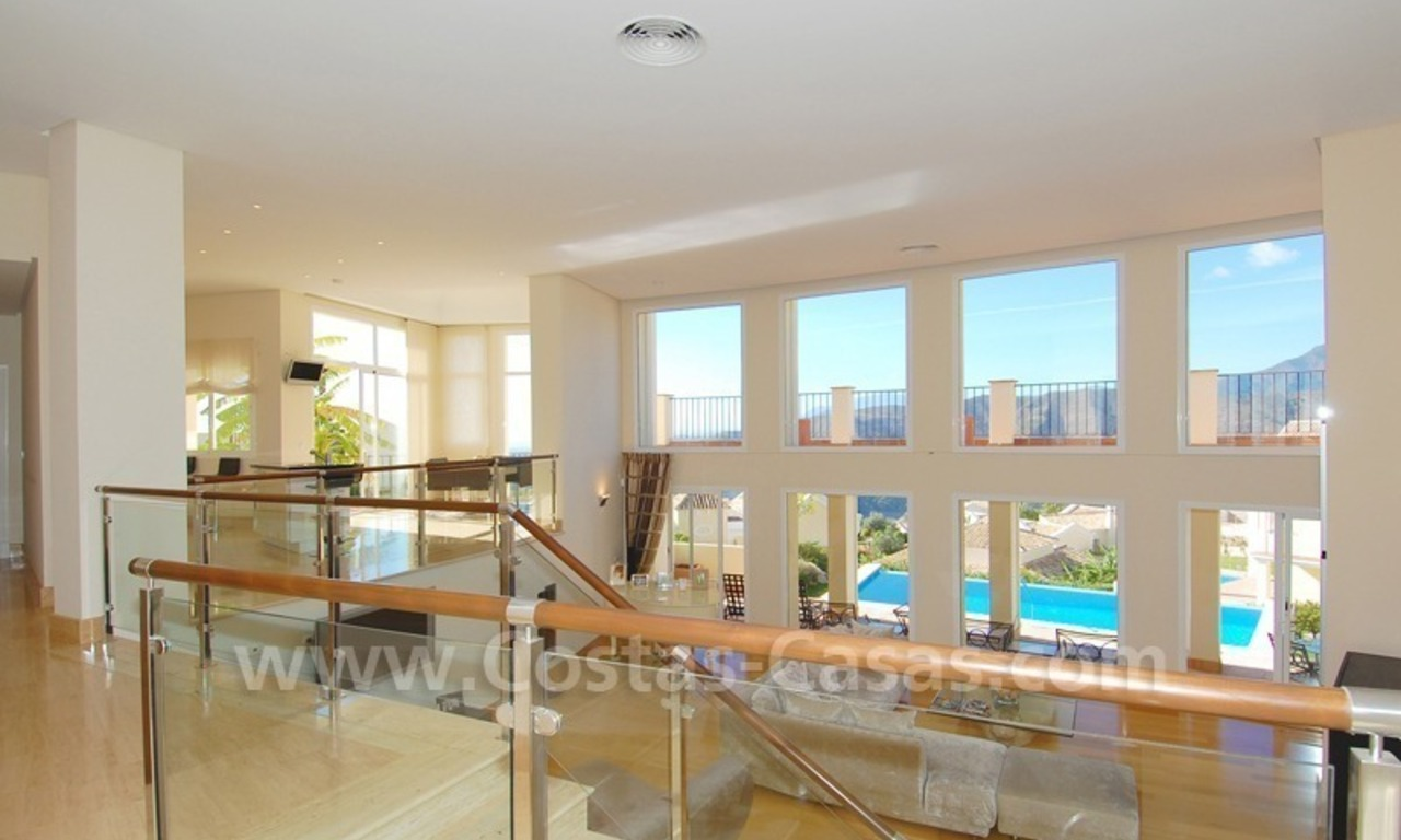 Contemporary style luxury villa for sale in Marbella 5