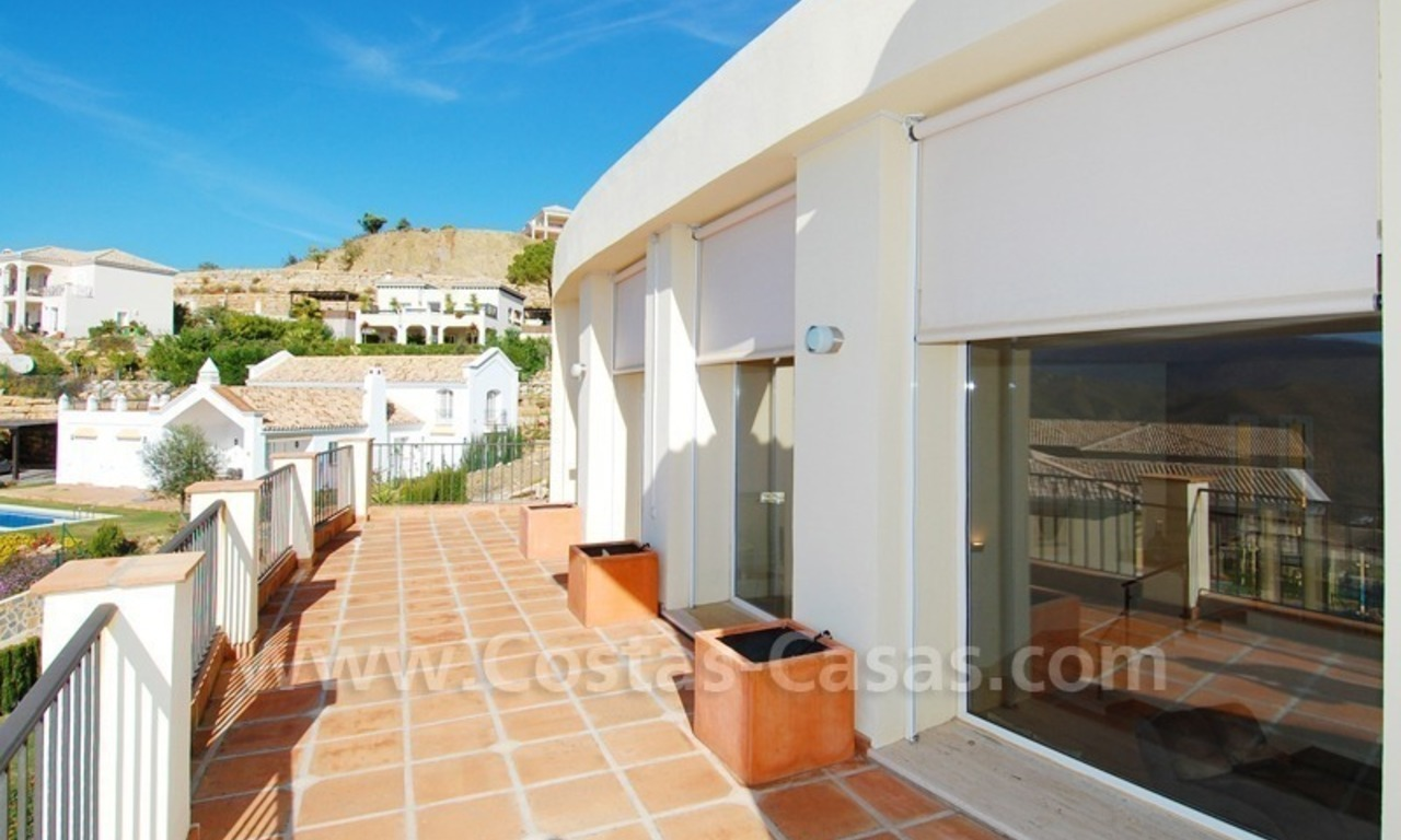 Contemporary style luxury villa for sale in Marbella 20