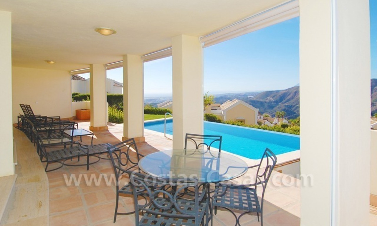 Contemporary style luxury villa for sale in Marbella 21