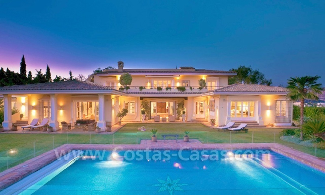 Exclusive villa for sale with a panoramic views, prestigious gated community, Marbella – Benahavis 1
