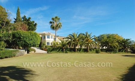 Exclusive villa for sale with a panoramic views, prestigious gated community, Marbella – Benahavis 14