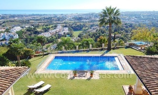 Exclusive villa for sale with a panoramic views, prestigious gated community, Marbella – Benahavis 10