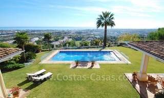 Exclusive villa for sale with a panoramic views, prestigious gated community, Marbella – Benahavis 11