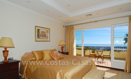 Exclusive villa for sale with a panoramic views, prestigious gated community, Marbella – Benahavis 24