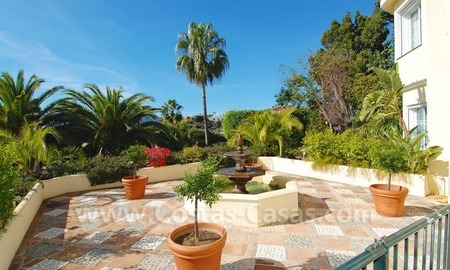Exclusive villa for sale with a panoramic views, prestigious gated community, Marbella – Benahavis 23