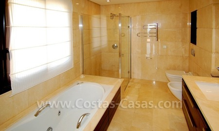 Modern luxury apartment for sale with spectacular sea views, Golf resort Marbella 17