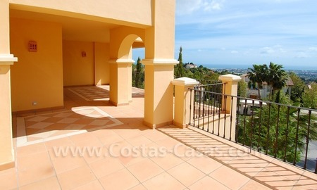 Modern luxury apartment for sale with spectacular sea views, Golf resort Marbella 1