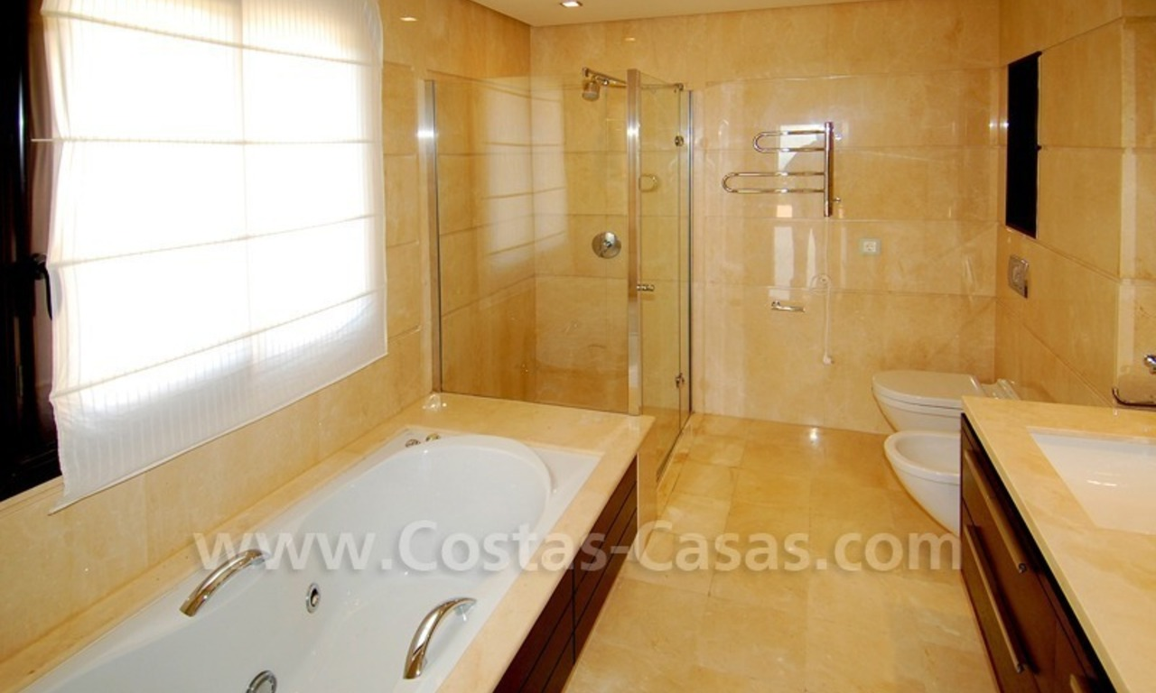 Modern luxury apartment to buy with spectacular sea views, Golf resort Marbella 13