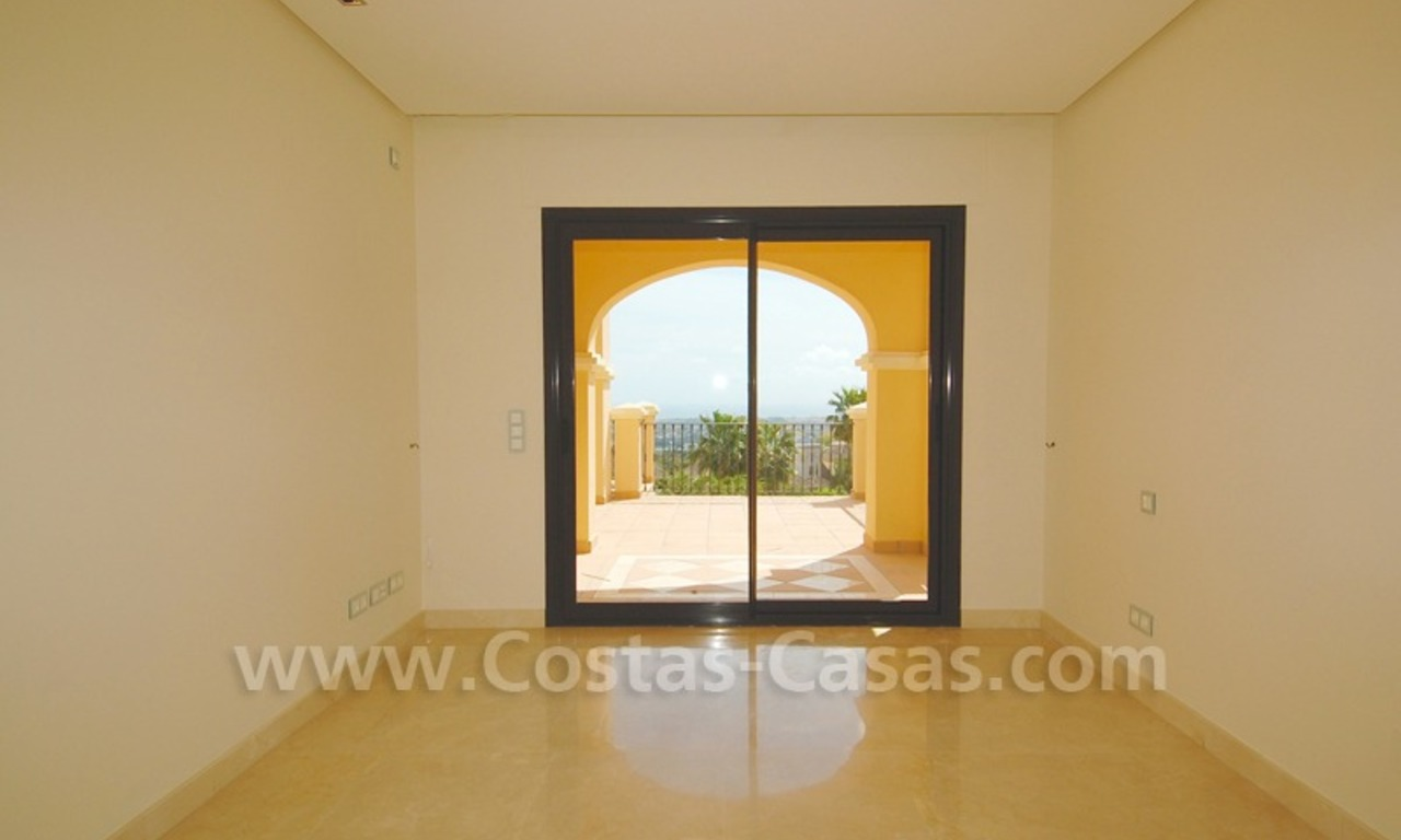 Modern luxury apartment to buy with spectacular sea views, Golf resort Marbella 11