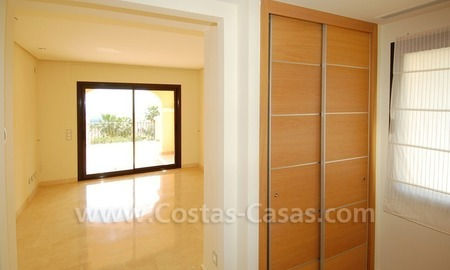 Modern luxury apartment to buy with spectacular sea views, Golf resort Marbella 12