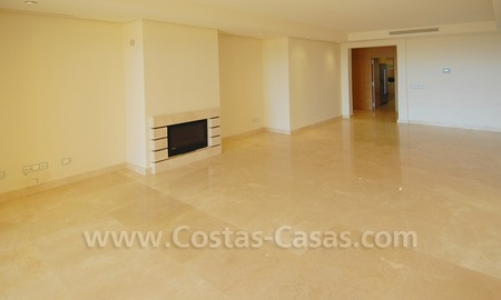 Modern luxury apartment to buy with spectacular sea views, Golf resort Marbella 8
