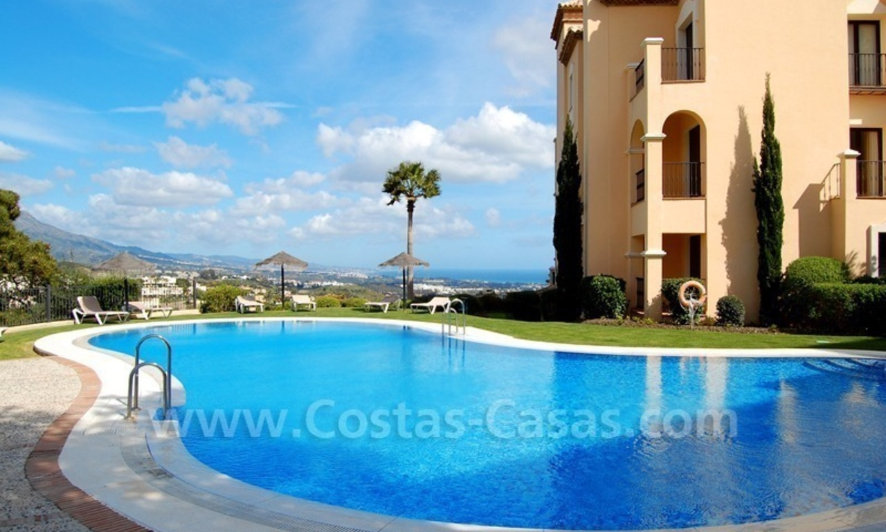 Modern luxury apartment to buy with spectacular sea views, Golf resort Marbella 3