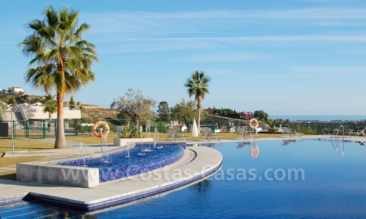 Modern luxury golf apartments with sea views for sale in the area of Marbella - Benahavis 4