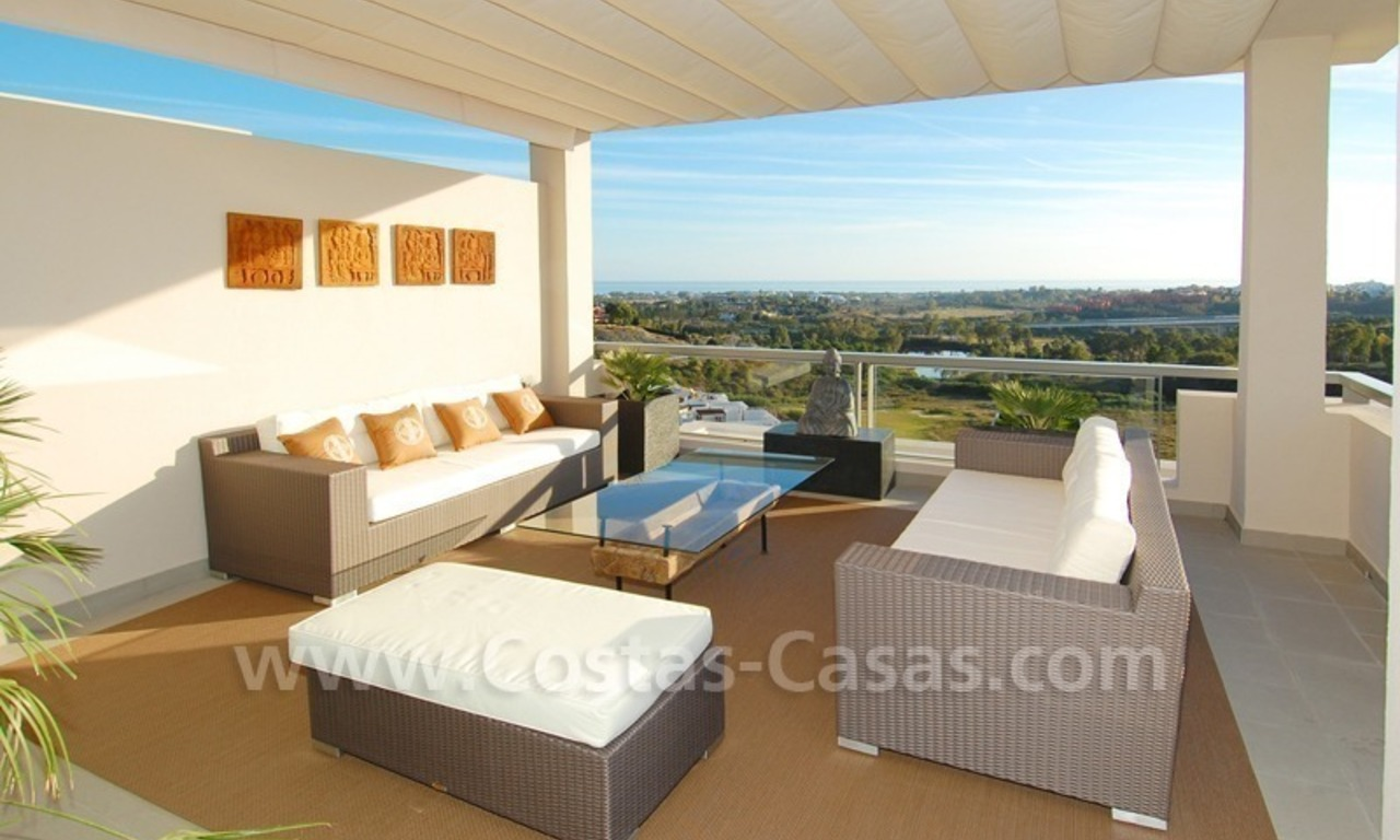 Modern luxury golf apartments with sea views for sale in the area of Marbella - Benahavis 6