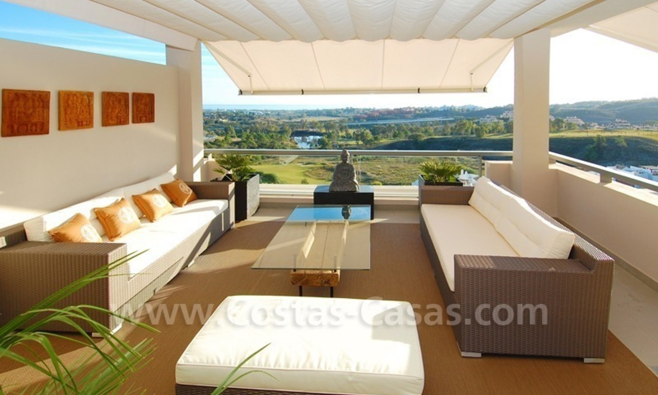 Modern luxury golf apartments with sea views for sale in the area of Marbella - Benahavis 7