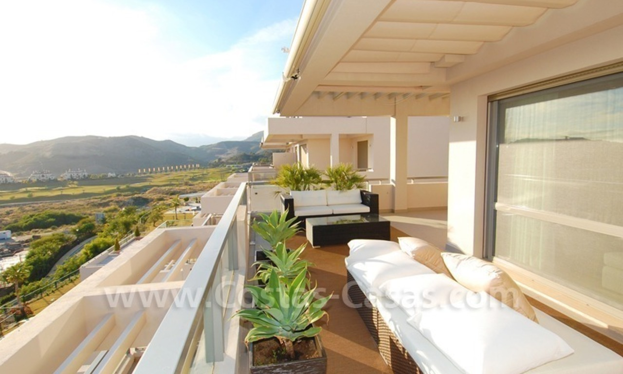 New Modern luxury golf apartments for sale in the area of Marbella - Benahavis 9