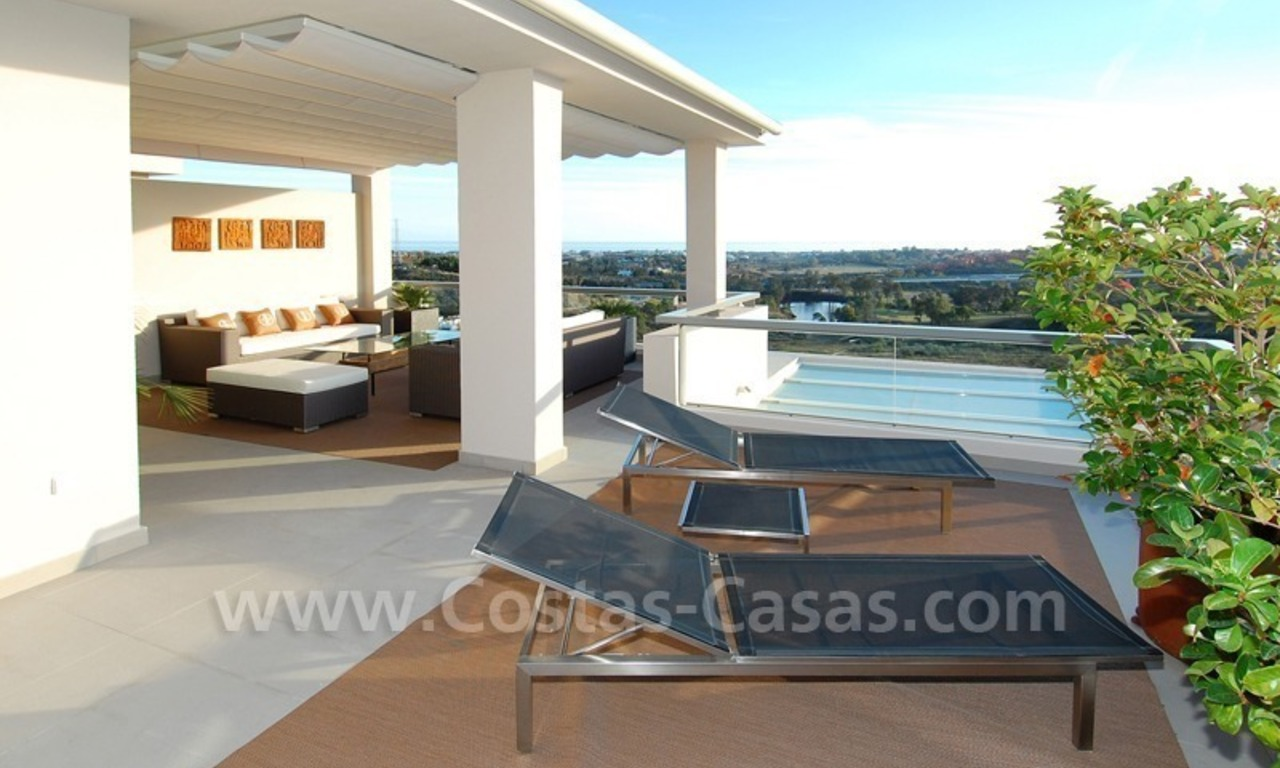 Modern luxury golf apartments with sea views for sale in the area of Marbella - Benahavis 12