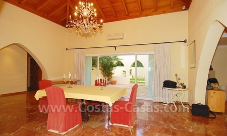 Beachside villa for sale, close to the beach, in Marbella 15