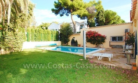Beachside villa for sale, close to the beach, in Marbella 7