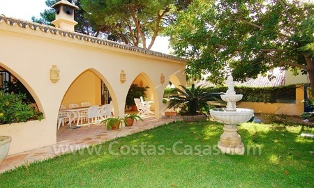 Beachside villa for sale, close to the beach, in Marbella 1