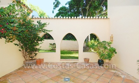 Beachside villa for sale, close to the beach, in Marbella 4